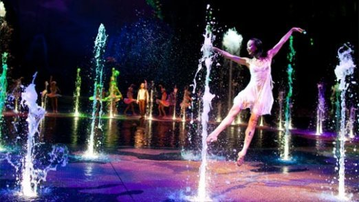 entertainment_the_house_of_dancing_water_10